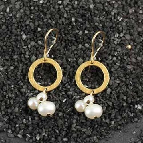 Baby Geo Ring 3 Pearl Earring