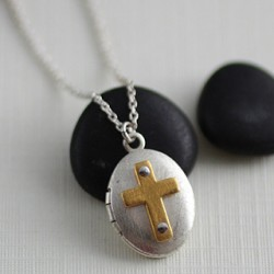 Riveted Icon Locket Necklace: SmOval