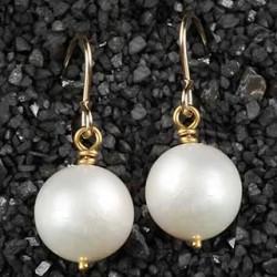 Simple Pearl Earring: Large